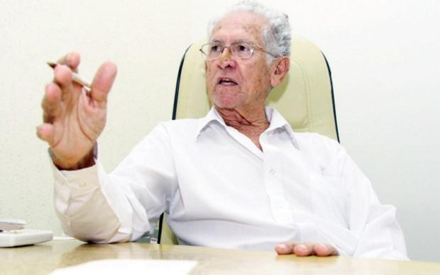 """Ex-deputado Olinto Meirelles: """"Mauro Borges não era uma pessoa ruim, mas política é assim e há adversários"""""""