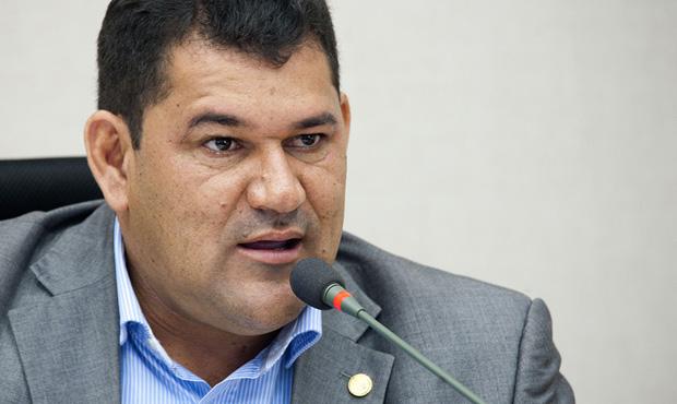 Deputado do DF Aylton Gomes tem os direitos políticos cassados e está inelegível