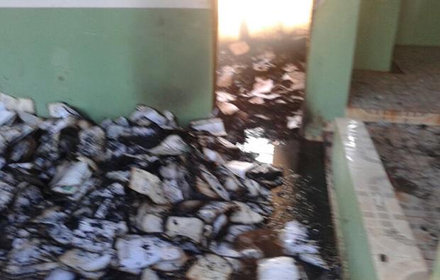 Sala de arquivos do Cemitério Municipal Parque é queimada durante a madrugada