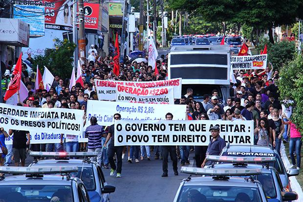 Movimento em apoio a estudantes da UFG presos reúne alunos e professores que lutam pelo direito de protestar