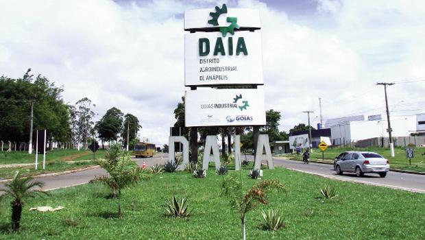 Para evitar falta de abastecimento de água em Anápolis, governo estadual amplia lagoa do Daia