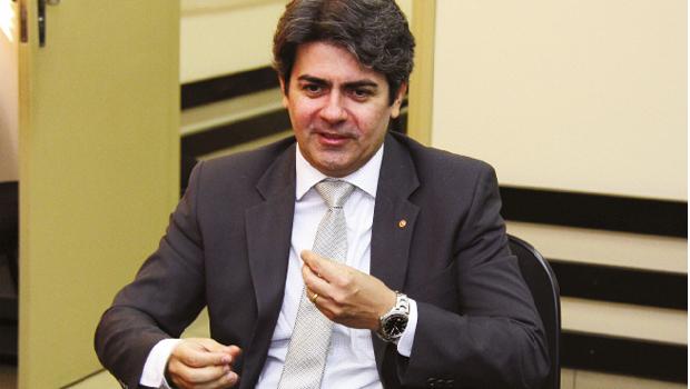 """Procurador-geral de Justiça, Lauro Machado: """"Policiamento ostensivo, de fato, não passa de atividade militar"""""""