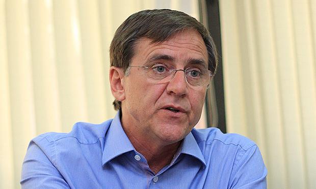 """Ultimato de delegados do PMDB é """"equívoco político"""", diz Antônio Gomide"""