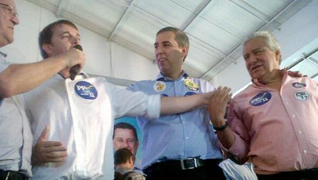 José Eliton (ao centro) e Vilmar Rocha receberam apoio de prefeitos durante lançamento de pré-candidaturas. Foto: Reprodução/Twitter