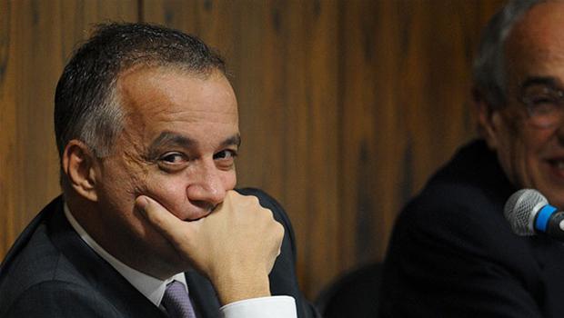 Justiça condena Carlinhos Cachoeira e outras 15 pessoas por contrabando