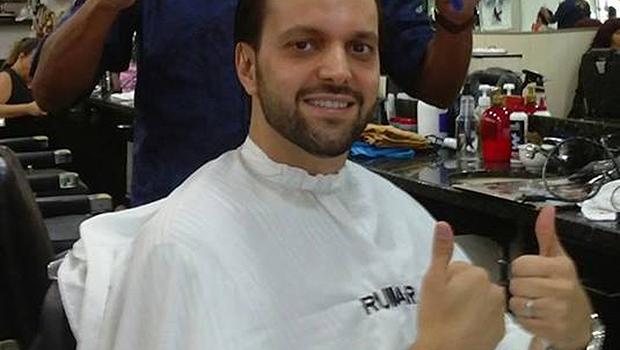 Baldy corta cabelo com Ruymar Ferreira e diz que está pronto para a disputa de deputado federal