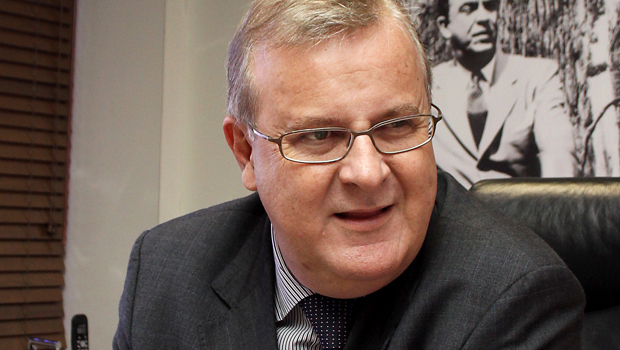 Paulo Garcia inicia negociações para desocupação da Câmara e discute segurança pública com Marconi