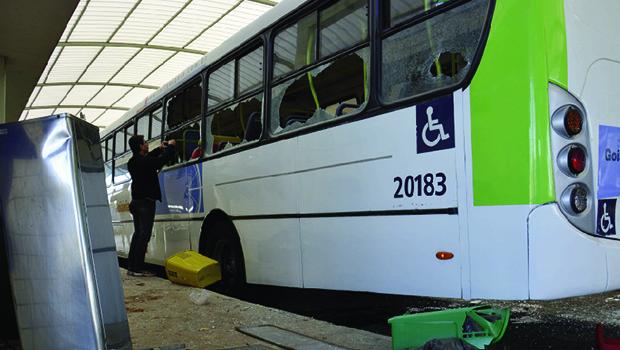 Protestos de motoristas do transporte público se espalham pela Grande Goiânia