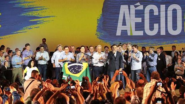 PSDB oficializa Aécio Neves como candidato a presidente da República