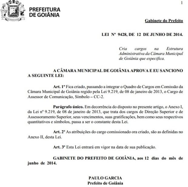 Documento eletrônico que comprova a criação de duas vagas para o cargo de assessor de comunicação para a Câmara   Foto: Divulgação/Prefeitura Municipal