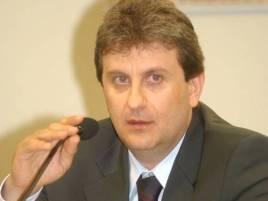 Alberto Youssef, suspeito de comandar um esquema de lavagem de dinheiro que teria movimentado R$ 10 bilhões.  | Foto: Geraldo Magela/Agência Senado