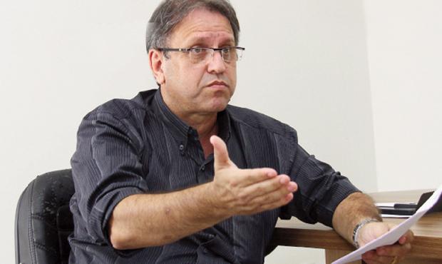 Ex-governador Marcelo Miranda consegue superar o jogo entreguista do deputado Júnior Coimbra. Foto: Fernando Leite/Jornal Opção