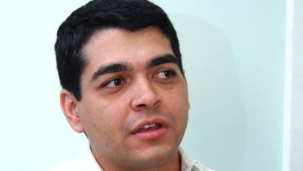 Padre afirma que Tayrone di Martino não vai disputar mandato de deputado