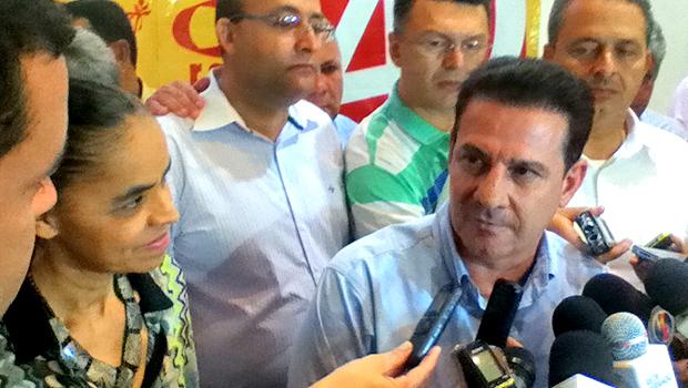 Entre Marina Silva e Eduardo Campos (esquerda), Vanderlan disse que tentativa de negociação com Iris não tiveram sucesso. Foto: Marcello Dantas/Jornal Opção Online