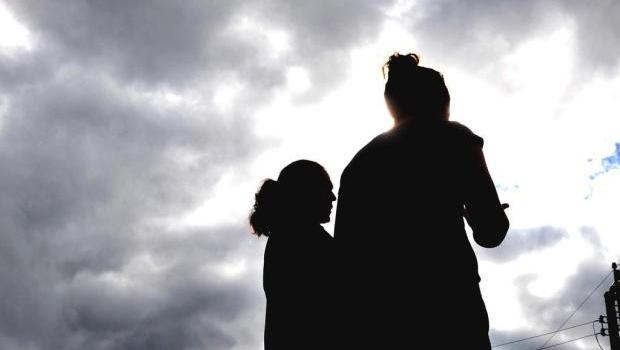 Santa Catarina: Pai mantém duas filhas isoladas em casa por mais de 10 anos e tem 3 filhos com cada uma