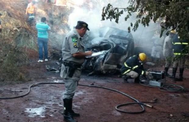 Seis pessoas, sendo três crianças, morrem em colisão na GO-164