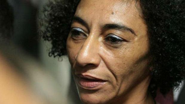 Mulher do ajudante de pedreiro Amarildo está desaparecida há dez dias