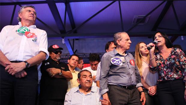Juntos na mesma coligação, Ronaldo Caiado e Isaura Lemos minimizam divergências entre Democratas e PCdoB