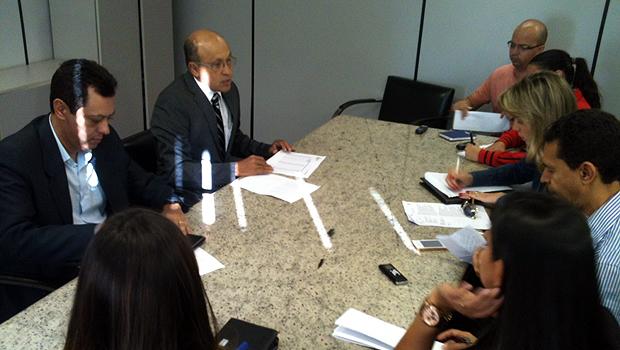 Jeovalter Correia concede entrevista a jornalistas sobre balanço final do PPI. Foto: Marcello Dantas/Jornal Opção Online
