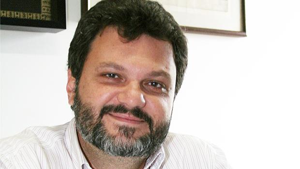 Coordenador de marketing de Iris Rezende critica discurso marconista de que o peemedebista está no passado