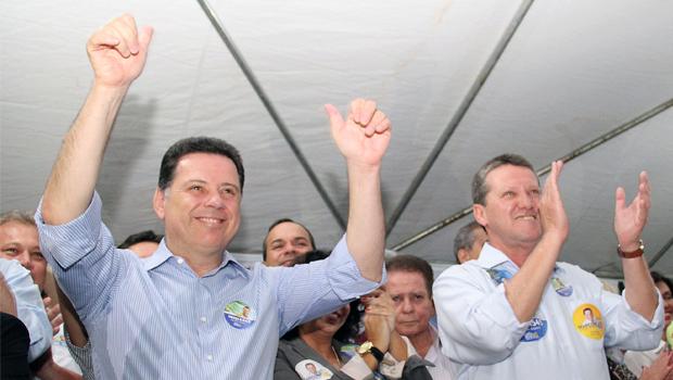 Giuseppe Vecci  exalta Henrique Santillo durante inauguração de seu comitê político