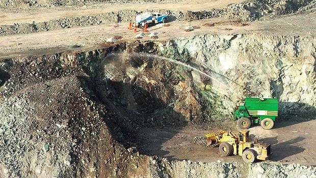 Extração de minérios foi um dos setores que proporcionou crescimento. Na foto, trabalhos feitos em Minaçu, Norte do Estado | Foto: Milton Brigolini/Panoramio