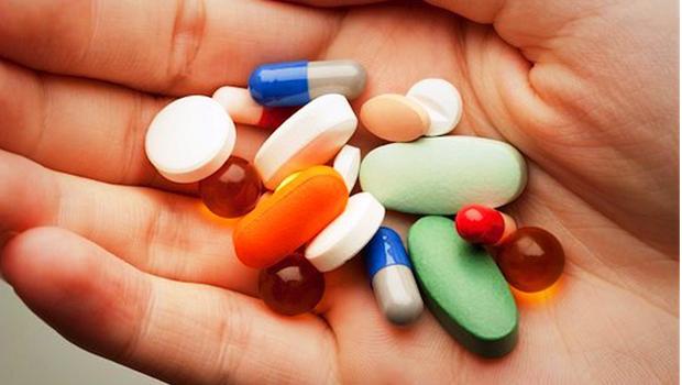 Medida Provisória adia suspensão do reajuste de remédios por mais 60 dias