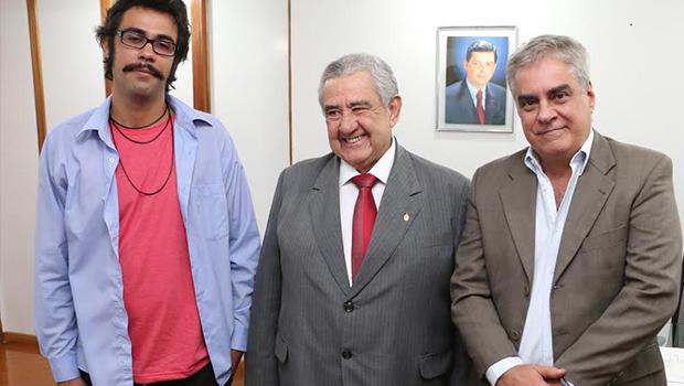 A direita, novo secretario de Cultura, Aguinaldo Coelho, secretário da Fazenda, José Taveira, e presidente do Conselho Estadual de Cultura, Carlos Cipriano