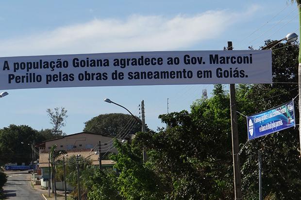 Justiça entende como propaganda antecipada faixas do governador Marconi Perillo e determina retirada