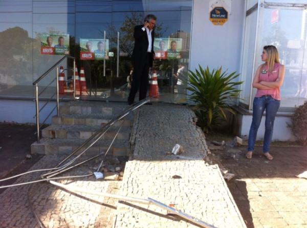 Comitê político de Ronaldo Caiado em Goiânia sofre depredação