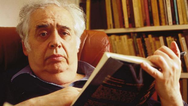 Harold Bloom: discurso radicalmente político, contra o sociologismo   Foto: John Abbott