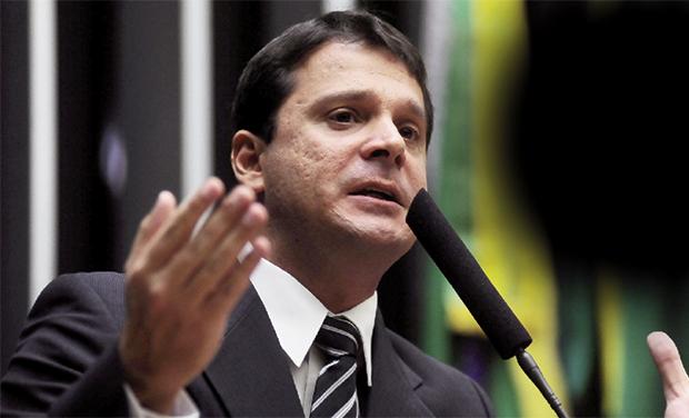 José Antônio Reguffe: campeão nacional de votos em 2010 para a Câmara dos Deputados deve ser eleito senador em outubro