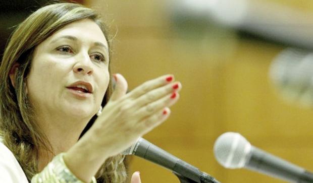 Senadora Kátia Abreu aponta  incompetência do governo estadual