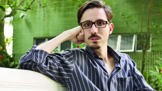 """Alexandre Marques Rodrigues, autor de """"Parafilias"""", livro ganhador do Prêmio Sesc de Literatura de 2014"""