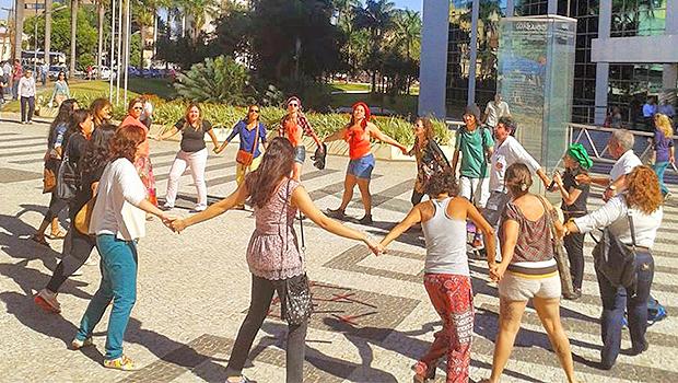 Ativistas pedem solução para violência contra mulheres em Goiânia