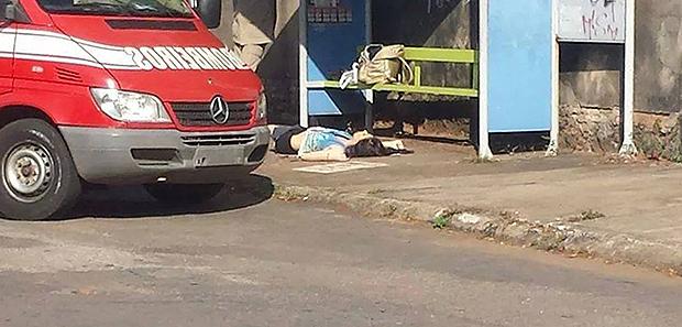 Jovem é morta por motoqueiro em ponto de ônibus no Setor Morada Nova, em Goiânia