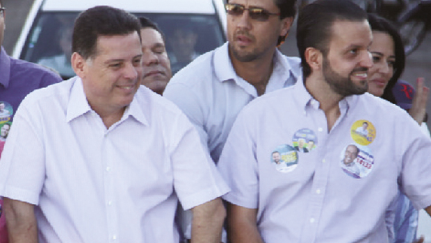 O governador Marconi Perillo e Alexandre Baldy em carreata em Hidrolândia: força política