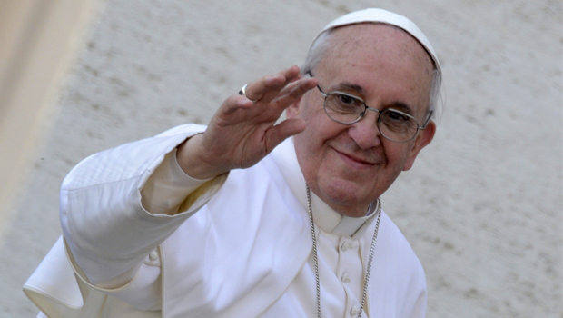 """Papa fala em Terceira Guerra Mundial e apela contra """"loucura bélica"""""""