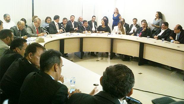 Prestação de contas de Paulo Garcia foi realizada em sala anexa à da Presidência da Câmara | Foto: Marcello Dantas/Jornal Opção Online