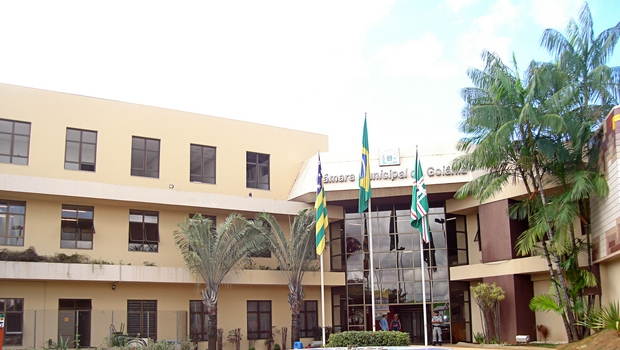 Adiamento da prestação de contas da prefeitura causa nova polêmica na Câmara de Goiânia