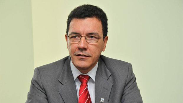 Eleição de Edward Madureira para reitor da UFG encerra sua carreira política
