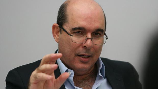 """Fernando Navarrete: """"Para estes que têm mandato e criticam a Celg eu só posso dizer que desconhecem a realidade e de forma oportunista criticam a solução"""""""