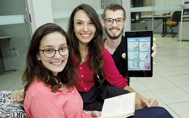 Dos livros para a tela do celular: a startup Diminuto espalha literatura colaborativa para os diversos cantos de Goiânia / Foto: Silvio Simões