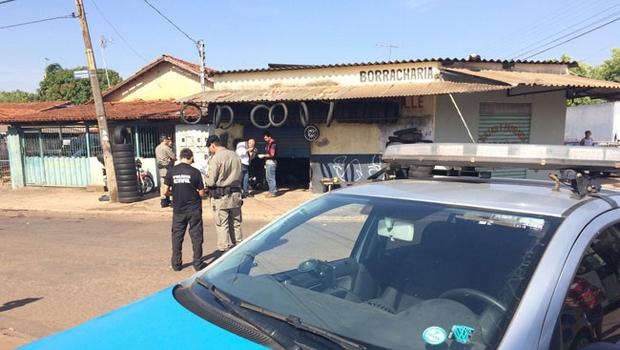 Jovem é morto a tiros em frente a colégio em Goiânia