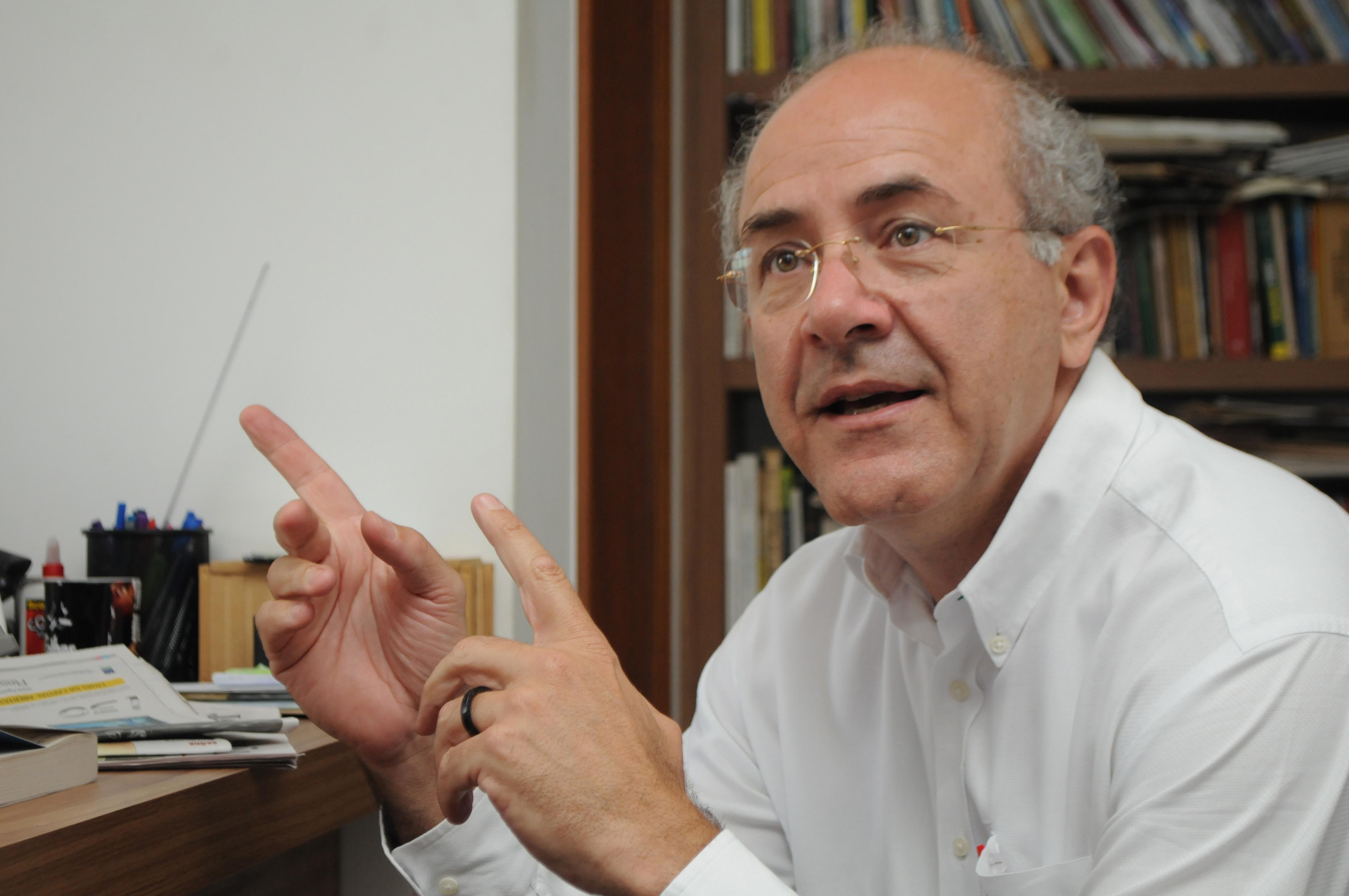 Presidente de sindicato registra queixa contra deputado Mauro Rubem por suposta agressão