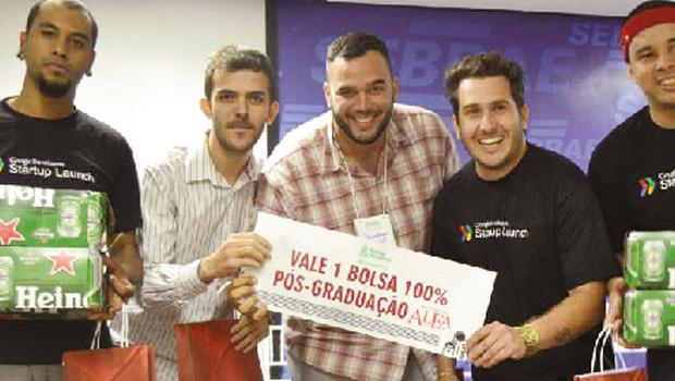 O vencedor da 3ª Startup Weekend Goiânia, Marcos Túlio, com a startup MoneyLender, destaca a essencialidade do evento para o empreendedorismo digital goiano