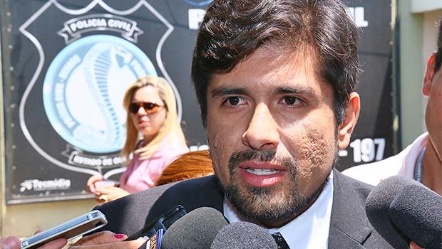 Advogado de Tiago Gomes da Rocha, Thiago Huáscar, busca documentos para elaborar defesa