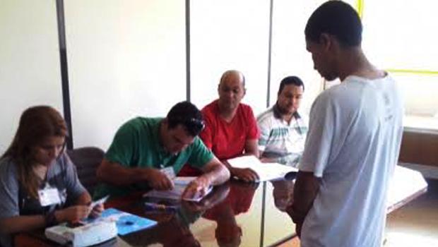 Presos da CPP de Aparecida de Goiânia votam de dentro do presídio