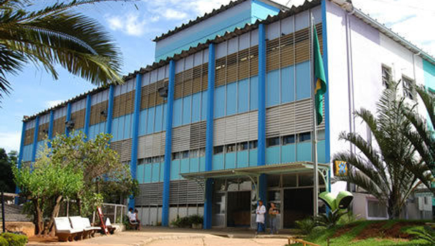 Mudança de gestão do Hospital das Clínicas é motivo de protesto em Goiânia