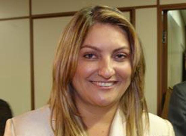 Carla Santillo é eleita a primeira mulher presidente do Tribunal de Contas do Estado de Goiás